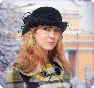 Велюровая шляпа с вуалью
