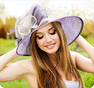 Широкополая шляпа из соломки