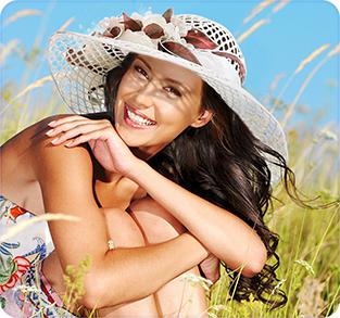 Шляпа с большими полями из рисовой соломки